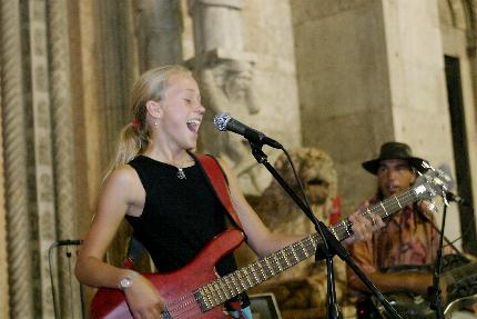 BUSKERS FESTIVAL 2011