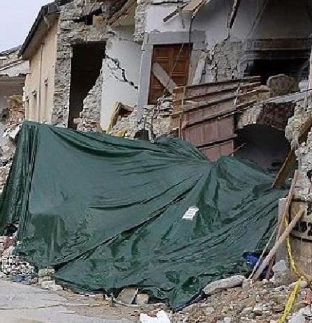 Terremoto 6.2  Centro Italia: Amatrice distrutta totalmente.