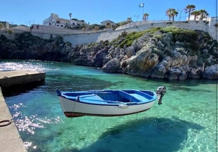 a Castro Marina le barche non galleggiano, volano!